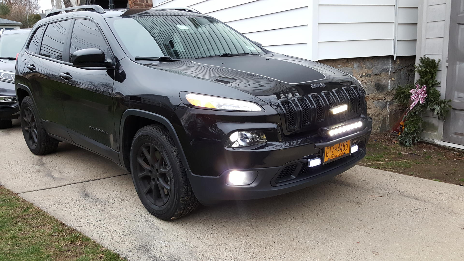 Updated mini bull bar led light bar bracket 2014 jeep cherokee click image for larger version name 20151226161652g views 1621 size 3387 mozeypictures Images