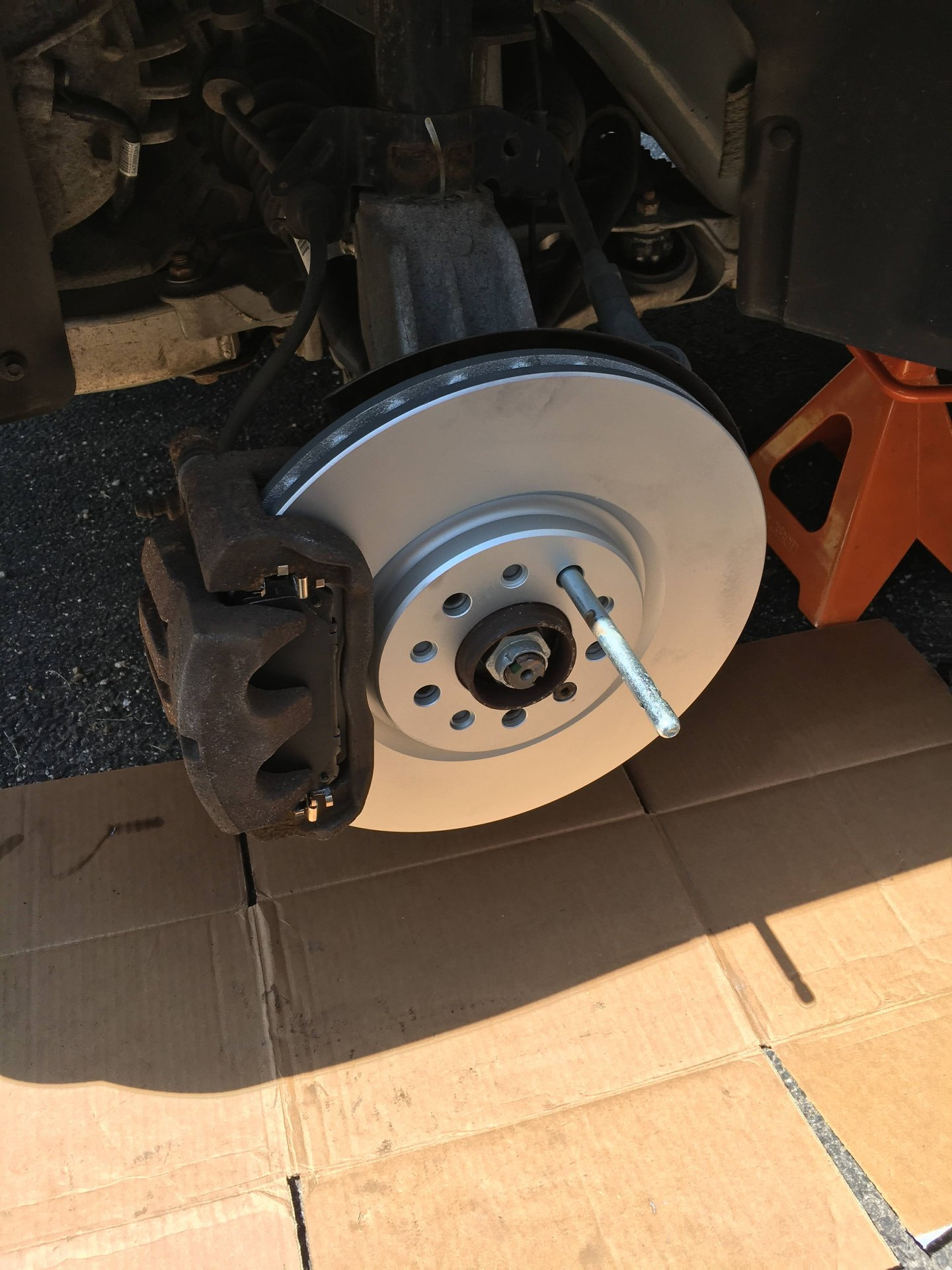 Note: HD Brakes 2017 Fits Jeep Cherokee Trailhawk Front Ceramic Brake Pads with Hardware Kits and Two Years Manufacturer Warranty