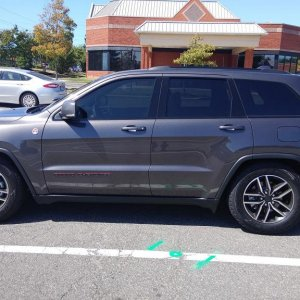 Lowered Trailhawk WK2 with Airlinks